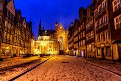 St Mary kościół i Królewska kaplica Gdański, nocy zimy widok, Bożenarodzeniowy czas, Polska obrazy royalty free