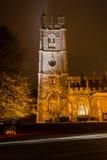 St Mary kościół nocą - góruje A Obrazy Stock