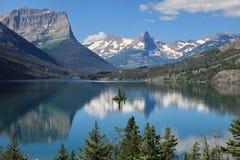 St Mary Lake, Parque Nacional Glacier Foto de archivo