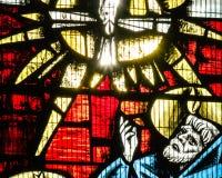 St Mary Redcliffe Stained Glass Close acima de E imagens de stock