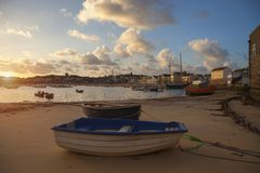 ST Mary& x27 λιμάνι του s στην αυγή, ST Mary& x27 s, νησιά Scilly, Αγγλία Στοκ Εικόνες