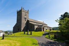 St Michael et tout le secteur Cumbria Angleterre R-U de lac Hawkshead d'église d'anges photos stock
