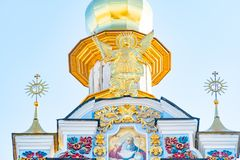 St Michael Gouden Overkoepeld Klooster, klassieke shinny, gouden koepels van de kathedraalkoepels van de kathedraal, de Oekraïne royalty-vrije stock foto's