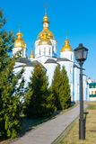 St Michael Gouden Overkoepeld Klooster, klassieke shinny, gouden koepels van de kathedraalkoepels van de kathedraal, de Oekra?ne royalty-vrije stock fotografie