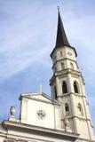 St Michael Kerk (toren) in Michaelerplatz, Wenen, Oostenrijk Stock Afbeeldingen