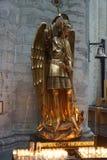 St Michael la statua di arcangelo fotografie stock