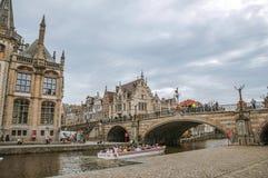 St Michael ` s most, kościół i gotyków budynki w Ghent, Zdjęcie Stock