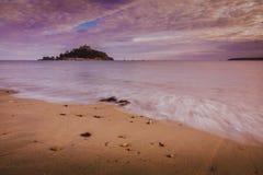 St Michaels Mount på solnedgången Royaltyfri Fotografi