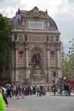 St Michel fontanna w Paryż Zdjęcie Stock