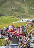 St. Michel Madeleines Caravan in den Alpen - Tour de France 2015 Lizenzfreies Stockfoto