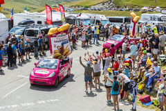 St. Michel Madeleines Caravan in den Alpen - Tour de France 2015 Stockfotos
