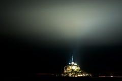 St Miguel de Mont en Normandía en la noche Fotografía de archivo