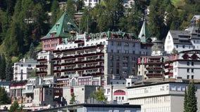 ST Moritz - αλπική πόλη στην Ελβετία απόθεμα βίντεο