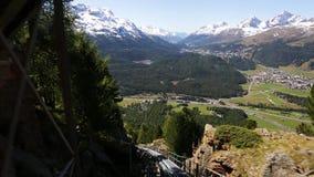 ST Moritz, μονοτρόχιος σιδηρόδρομος - βουνά φιλμ μικρού μήκους