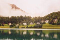 St Moritz bergsjö i sommar Grisons, Schweiz Fotografering för Bildbyråer