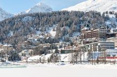 St Moritz fjällängar, Schweiz Berget skidar semesterorten Royaltyfri Foto