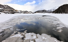 St Moritz mening van het bevroren meer royalty-vrije stock afbeeldingen