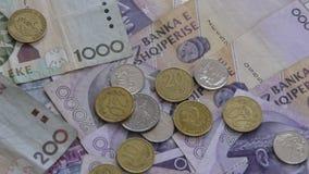 St?ng sig upp av albanska LEK