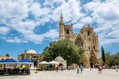 St Nicholas Cathedral ∠moskee van Lala Mustafa Pasha in o Royalty-vrije Stock Afbeelding
