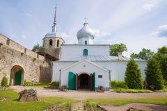 St Nicholas Cathedral in de oude vesting van de Porkhov-stad Royalty-vrije Stock Foto's