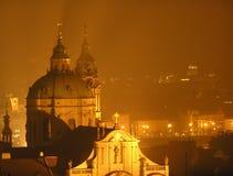 St. Nicholas Church, natt Prague Fotografering för Bildbyråer