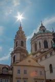 St nicholas kerk in Praag stock afbeelding