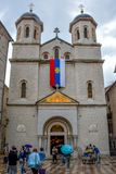 St Nicholas Serbian Orthodox Church en el cuadrado de St Luke en la ciudad vieja de Kotor fotos de archivo