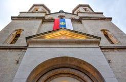 St Nicholas Serbian Orthodox Church no quadrado de St Luke na cidade velha de Kotor imagens de stock