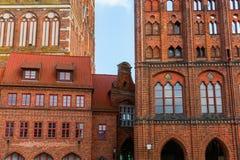 St Nicolas Church och historiskt stadshus i Stralsund, Tyskland arkivbilder