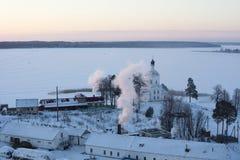 St Nilus Monastery nel lago Seliger, orario invernale Fotografie Stock Libere da Diritti