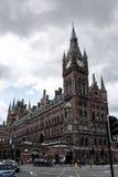 St Pancras hotell och station royaltyfri fotografi