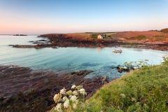 St. panny młodej zatoka, Pembrokeshire: kolorowa sceneria przy zmierzchem Zdjęcie Stock