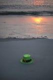 ST Patrick& x27 ημέρα του s στην παραλία Στοκ Εικόνες