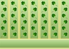 St. Patrick behang met klavers en Stock Afbeelding