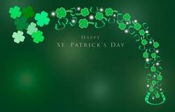St Patrick Day med treklöverer för bakgrund Arkivfoto