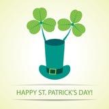 St Patrick kapelusz z koniczyną Fotografia Royalty Free