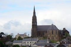 St Patrick Roman Catholic Church, Downpatrick som är nordlig - Irland Royaltyfri Fotografi
