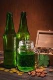 St Patrick ` s dag groen bier royalty-vrije stock afbeeldingen