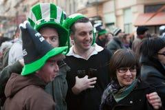 St Patrick s dag i Bucharest Arkivfoton