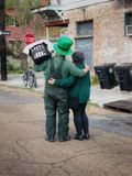 St Patrick Day Couple in New Orleans stock images