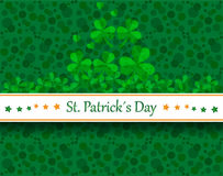 St patrick´s day. Green card with shamrocks and st patrick´s day banner Royalty Free Stock Photo