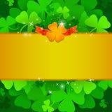 St Patrick ` s dnia sztandar z koniczynami i cztery liści shamrock ilustracja wektor
