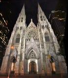 St Patrick ` s katedra przy nocą Zdjęcie Royalty Free