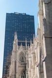 St- Patrick` s Kathedrale, New York stockfotos