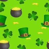 St- Patrick` s Tagesbuntes nahtloses Muster mit Koboldhut, -topf, -gold und -shamrock in der Karikaturart Auch im corel abgehoben Stockbild