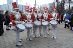 St- Patrick` s Tagesfeier in Moskau Schlagzeugerband das ` der Frauen Stockbild