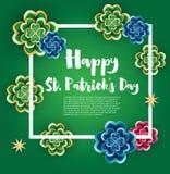St- Patrick` s Tageshintergrund mit Klee-Blättern und goldenem Sta Stockbilder
