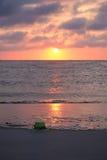 St Patrick u. x27; s-Tag auf dem Strand Lizenzfreie Stockfotos