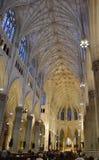 St Patrick y x27; catedral de s, interior, Nueva York Foto de archivo libre de regalías