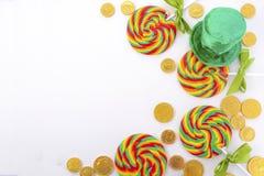 St Patricks天彩虹棒棒糖 免版税图库摄影